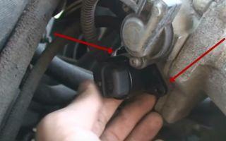 Как снять замок зажигания на ваз 2107: схема подключения проводов по цвету и видео о том, как заменить устройство без ключа в автомобиле с инжектором и карбюратором