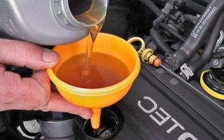 Мнение автоэксперта, можно ли смешивать моторные масла автомобиля toyota