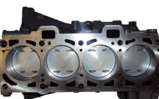 Почему при запуске двигателя слышен свист, скрежет и стук, треск или металлический звон?