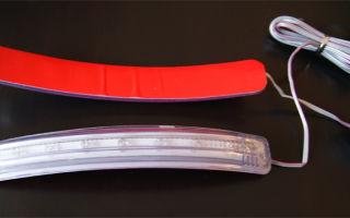 Универсальный повторитель поворота на зеркало и установка поворотников в зеркала своими руками