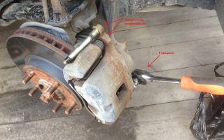 Инструкция по замене тормозных колодок на mitsubishi lancer, видео процесса
