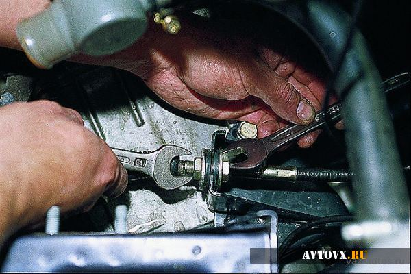 Замена тросика сцепления ваз 2109 своими руками: пошаговая инструкция