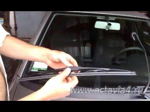 Замена щеток стеклоочистителя: как снять и поменять передние и задние дворники (видео)